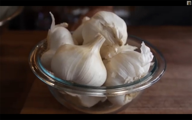 garlic_peel